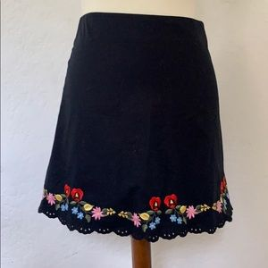 Betsey Johnson mini-skirt in black size 8 c. 2004